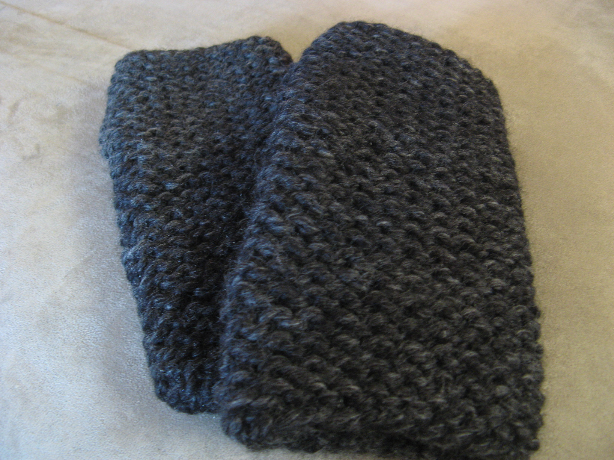 Quick and Simple Fingerless Mittens Bead Yarn & Spatula