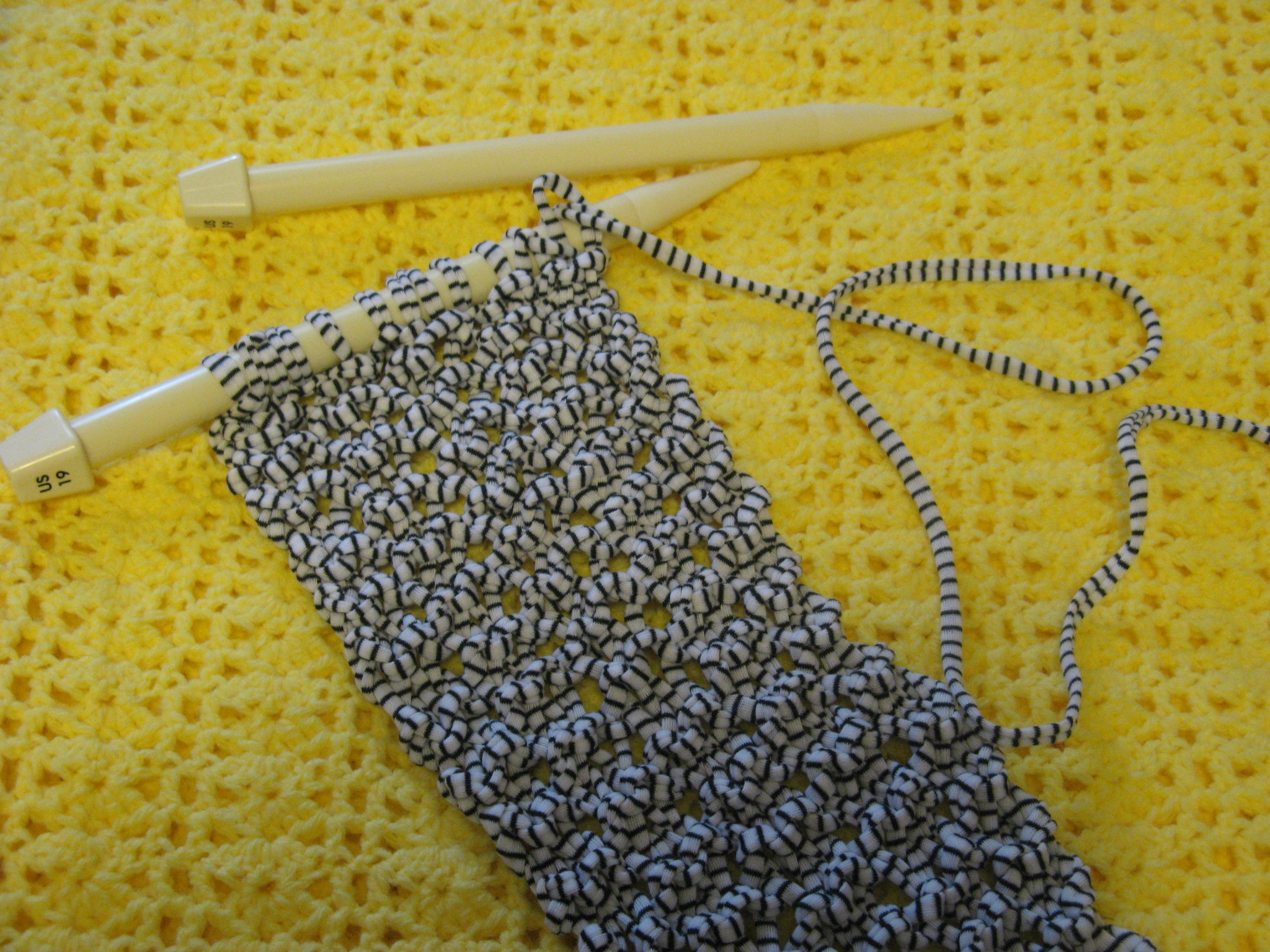Crocheted Blanket   Bead Yarn & Spatula